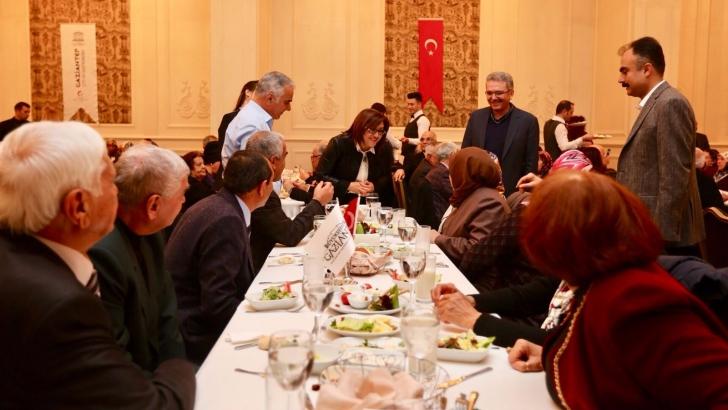 """BÜYÜKŞEHİR'DEN """"BİR YASTIKTA KIRK YIL"""" PROJESİ"""