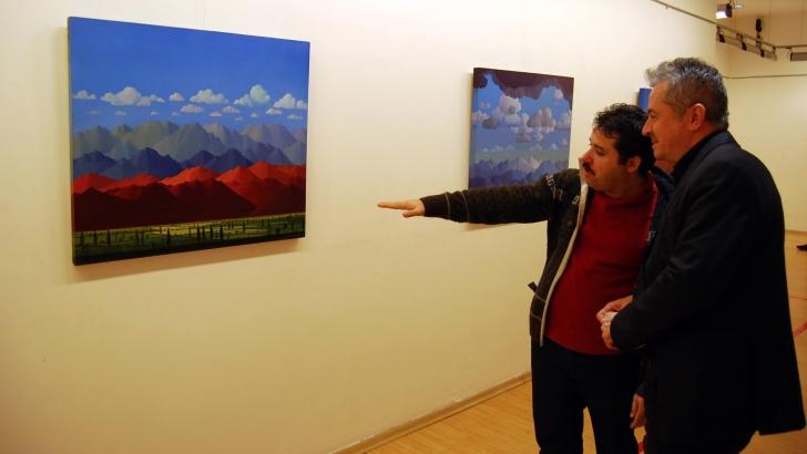 """Hasan Mutlu'nun """"Dağlar"""" temalı sergisi"""
