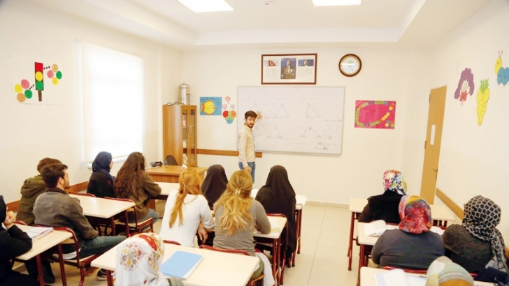 Açık öğretime akademik destek
