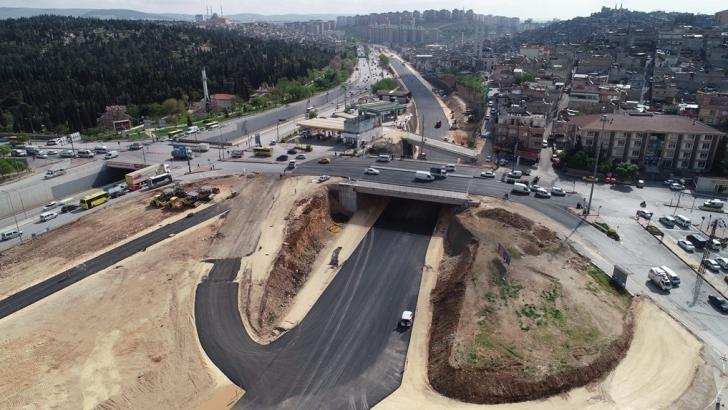 Mezarlık kavşağındaki köprü genişletiliyor