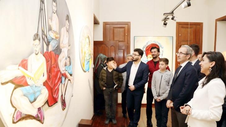 ART CONTACT ADLI KARMA RESİM SERGİSİ AÇILDI