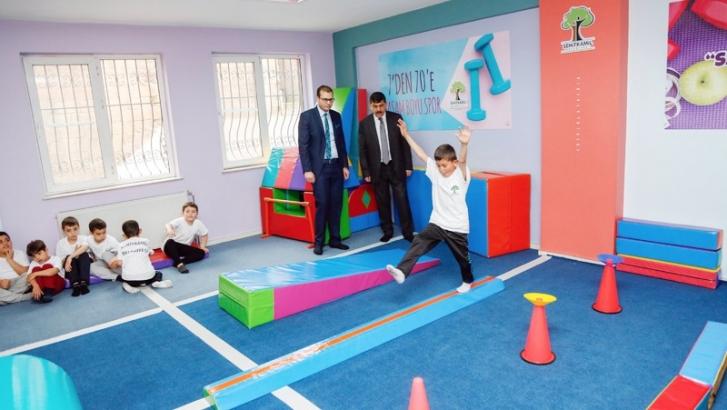 Cimnastik spor okullarında başarının temelleri atılıyor
