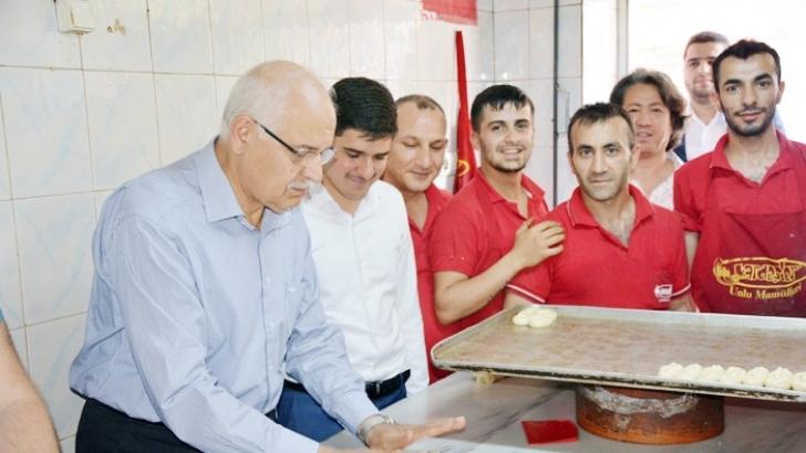 Erdoğan ve Aktoğ 'Köy Kahkesi' pişirdiler