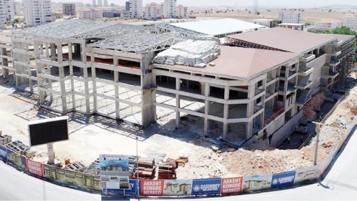 Akkent'te yapılan kongre merkezi 25 Aralık'a yetiştirilecek