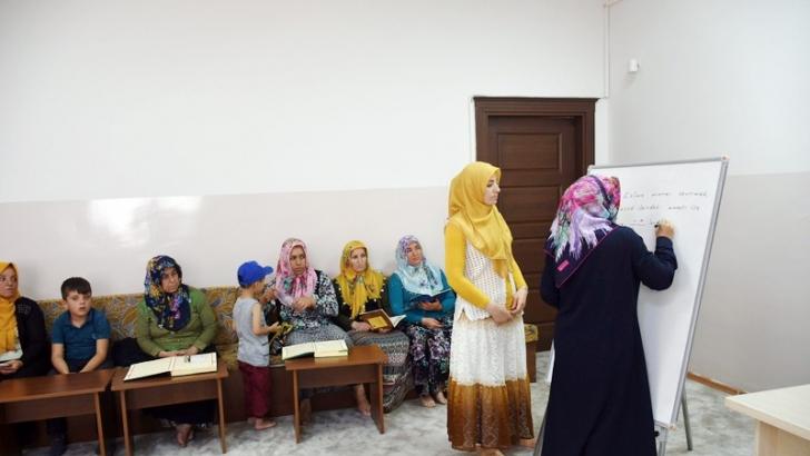 Şahinbey Belediyesi sosyal tesislerinde Kuran-ı Kerim öğreniyorlar