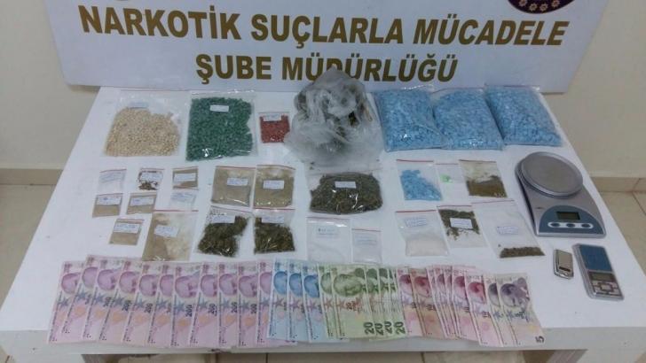 Uyuşturucu tacirlerine operasyon: 30 gözaltı