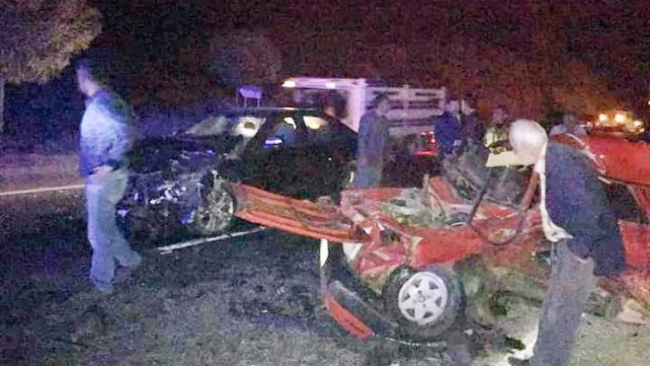 Otomobiller çapıştı: 1 ölü, 2 yaralı