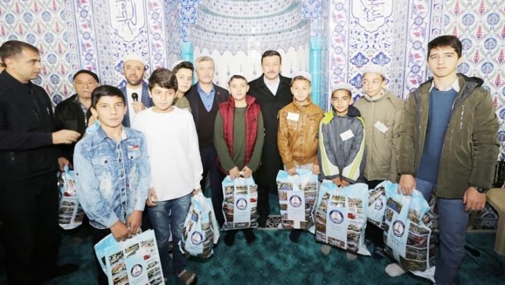 Camiye giden çocukları ödül