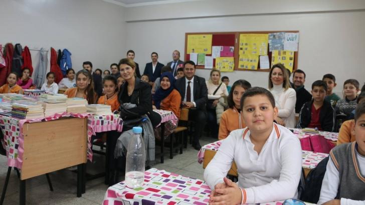 İMO'dan öğrencilere kitap desteği