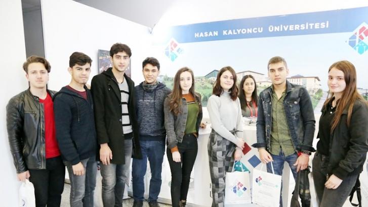 HKÜ Türkiye'nin dört bir yanında üniversite adayları ile buluştu
