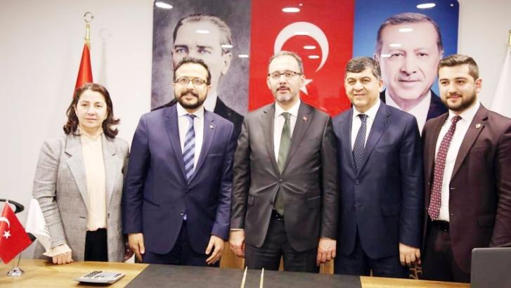 Bakan Kasapoğlu'ndan parti teşkilatına ziyaret