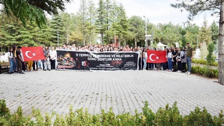 """GAZİANTEPLİ GENÇLER """"15 TEMMUZ RUHUNU"""" YERİNDE YAŞADILAR"""
