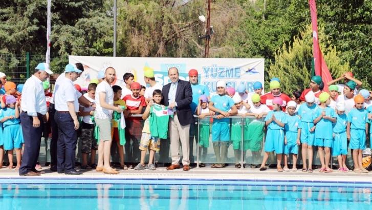 Başkan Kılıç'tan yüzme kursuna ziyaret