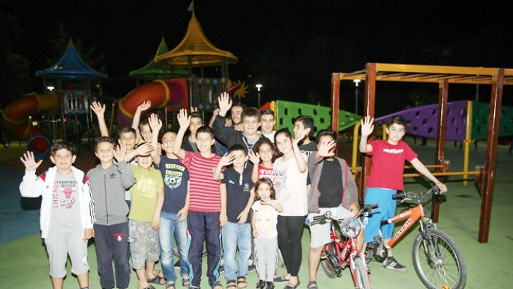 ŞEHİTKAMİL'DE PARKLAR RENGARENK, CIVIL CIVIL
