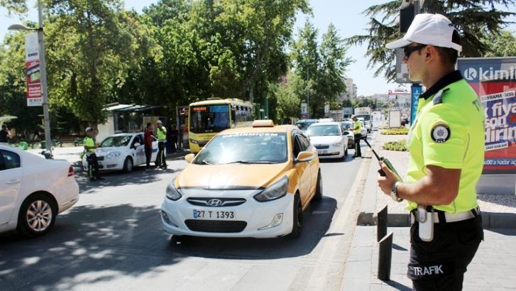 'Yaya Öncelikli Trafik' için yayalar ve sürücüler bilgilendirildi