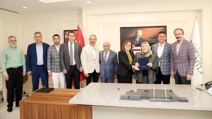 Özkaya ailesinden sosyal tesis desteği