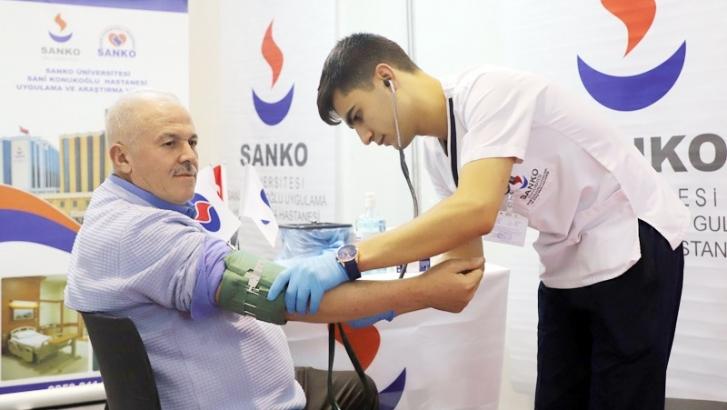 SANKO ÜNİVERSİTESİ HASTANESİ GAPSHOES'TA STANT AÇTI