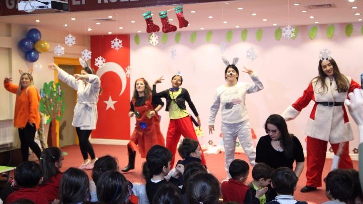 GKV'li öğretmenler yazdı ve sahneledi, öğrenciler eğlendi
