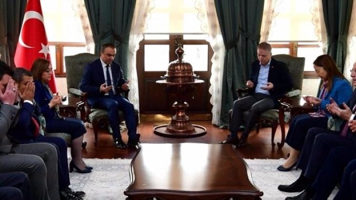 Gaziantep Protokolünde Vali Soytürk'e taziye ziyareti