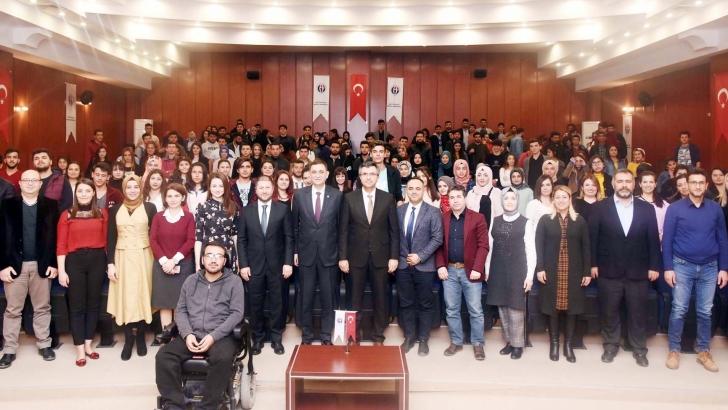 ÜNVERDİ KARİYER GÜNLERİNE KATILDI