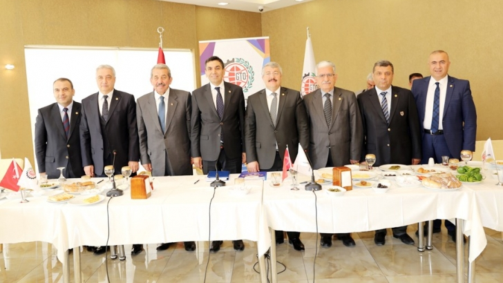 Irak sınır kapısının kapanması Türk iş adamlarını olumsuz etkiledi