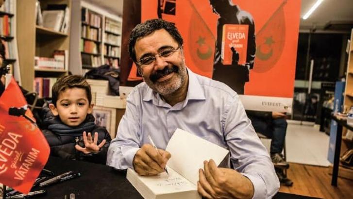 Yazar Ahmet Ümit, memleketi Gaziantep'te