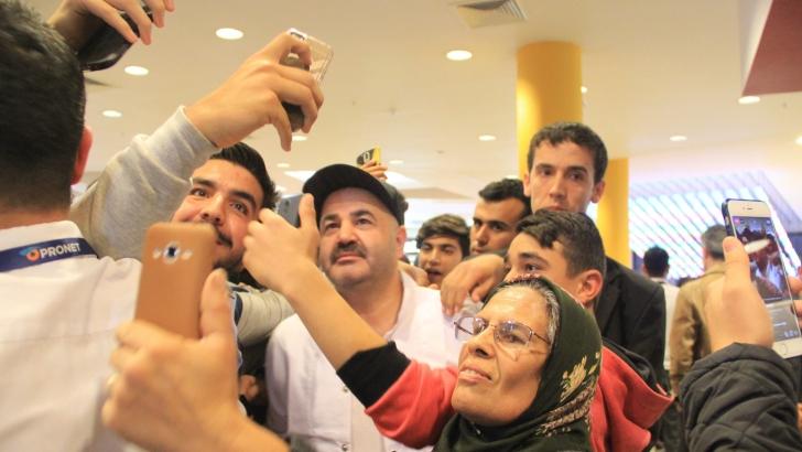 Ünlü oyuncu Şafak Sezer Gaziantep'te