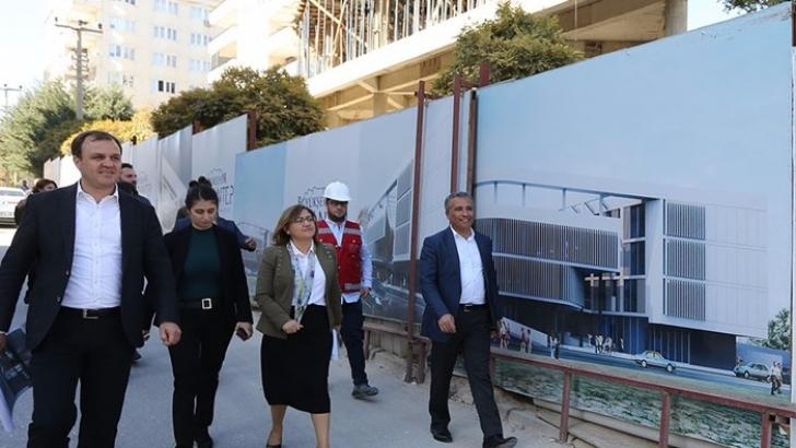 Şahin, sanat merkezi inşaatını inceledi