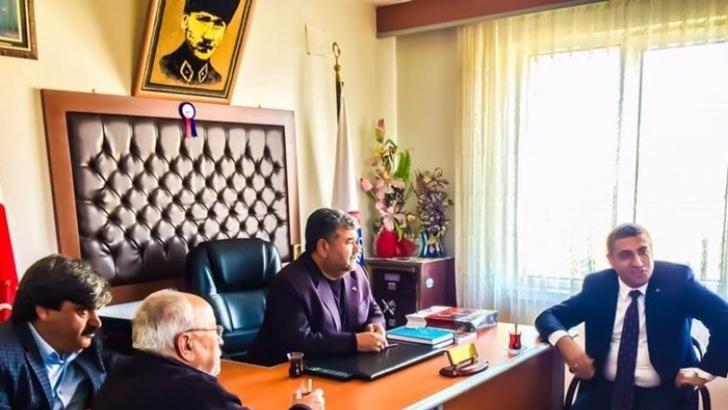 MHP'li Taşdoğan, berberlerin sorunlarını dinledi