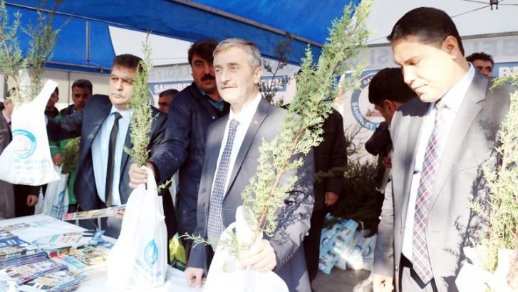 Şahinbey Belediyesi 400 bin fidan dağıtıldı