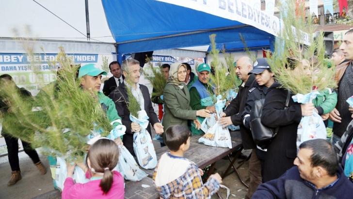 Şahinbey Belediyesi fidan dağıtımını sürdürüyor
