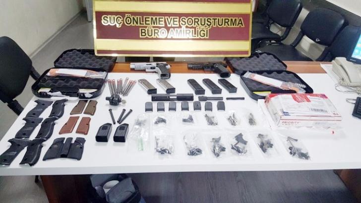 Kargonun içinden silah parçaları çıktı: 3 gözaltı