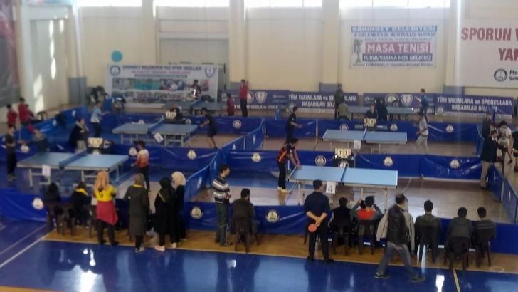 Masa tenisi turnuvası düzenlendi