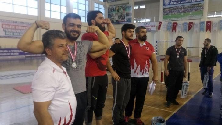 Şahinbey'de bilek güreşi şampiyonası düzenlendi