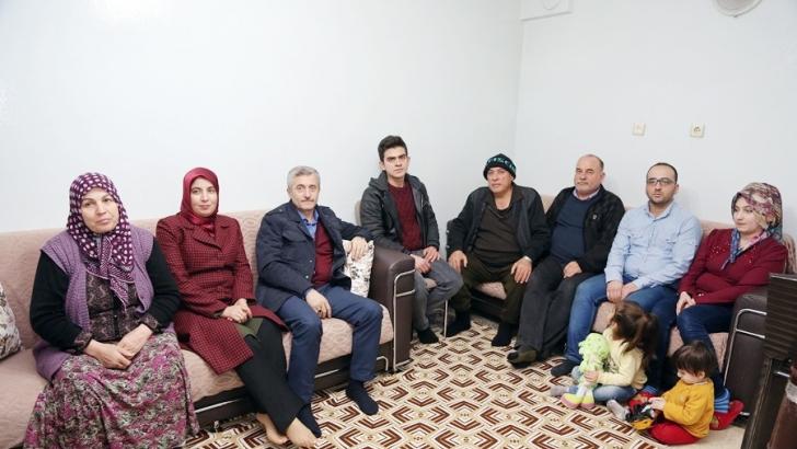 Tahmazoğlu aile ziyaretlerini sürdürüyor