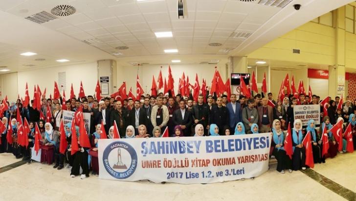 ŞAHİNBEY BELEDİYESİ 147 ÖĞRENCİYİ UMREYE UĞURLADI