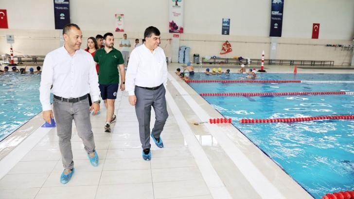 Alleben yüzme havuzları 5 bin yüzücüye eğitim veriyor