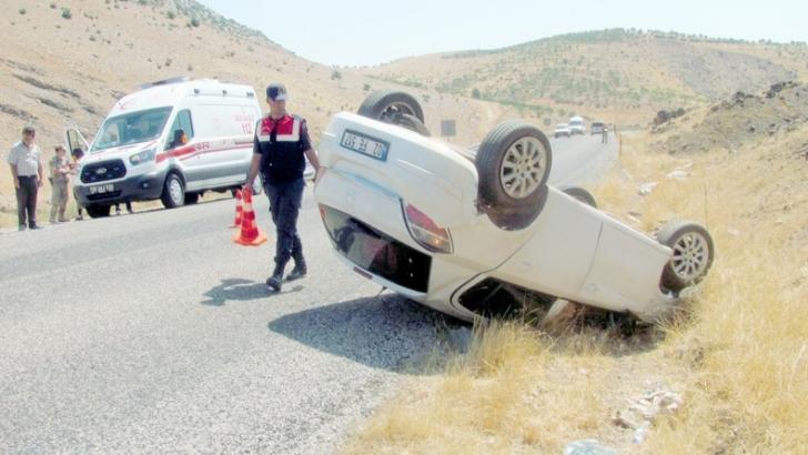 Araban'da otomobil devrildi: 2'si çocuk 4 yaralı