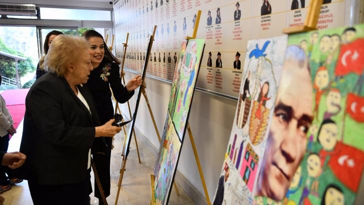 GKV'de Atatürk resim sergisine büyük ilgi