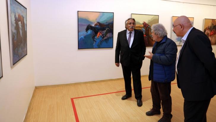 Ressam Turhan Ekici'nin sergisine ilgi