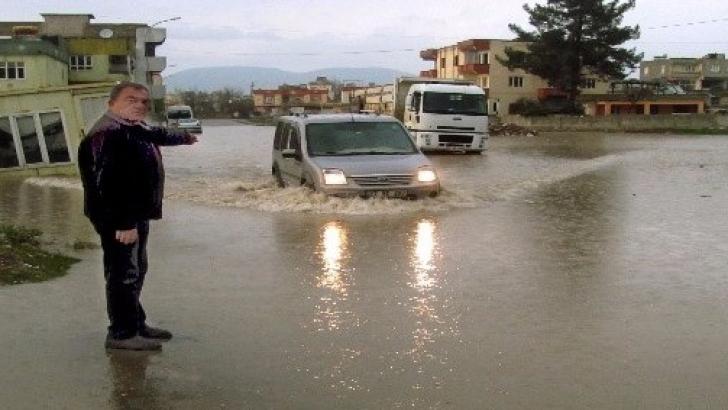 Araban'da yağmur hayatı olumsuz etkiledi