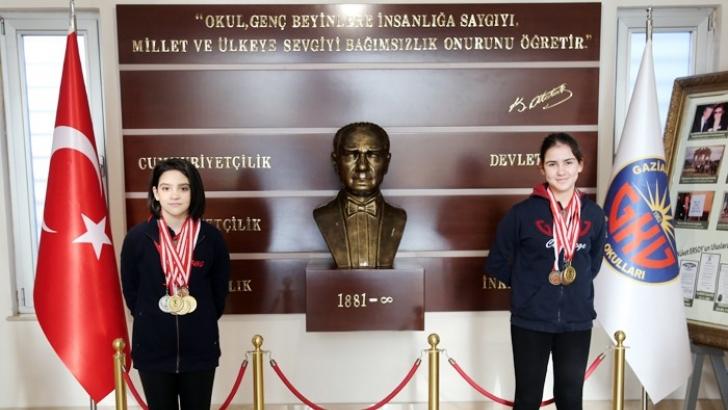 GKV'nin altın kulaçları 8 madalya kazandı