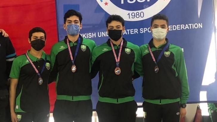 Paletli yüzücüler Türkiye şampiyonu