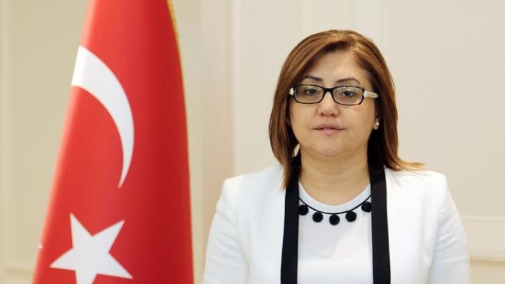 "Fatma Şahin'den ""gri pasaport"" iddialarına suç duyurusu"