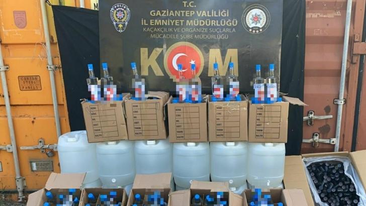 Gaziantep'te 3 ayrı baskında yüzlerce litre kaçak içki ele geçirildi