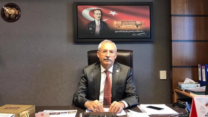 """CHP'Lİ KAPLAN """"ÜLKE YANGIN YERİ, CUMHURBAŞKANI ÇAY DAĞITIYOR!"""""""