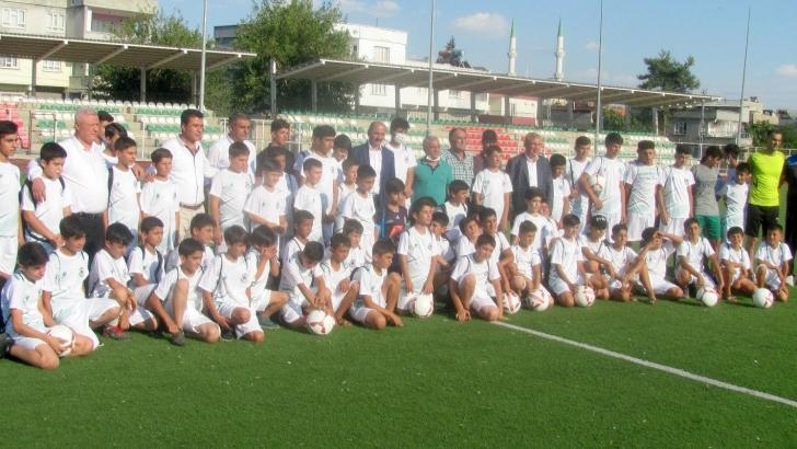 Araban Belediyesi futbol okulu açtı